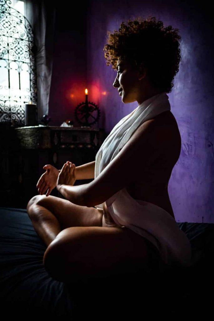 Linda-Kali-masseuse-tantrique-lyon-massage-tantra-villeurbanne