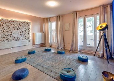 salon-de-massage-tantrique-tantra-lyon-villeurbanne-toucher-de-soie